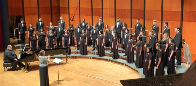 SCHS Choir singing at U of H