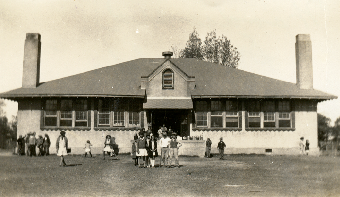 Woodward School at Moonshine Hill, 1918
