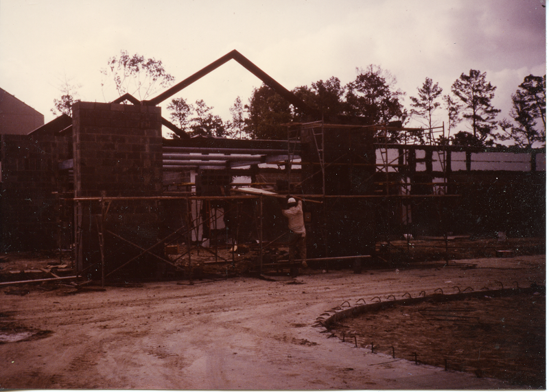 Pine Forest Elementary under construction