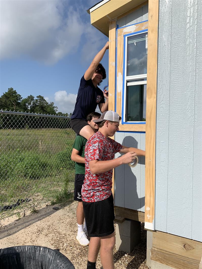 Students Helping Veterans K Park Tiny Home